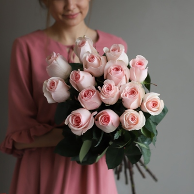 Roses delivery in Moscow