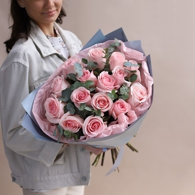 Roses delivery Moscow
