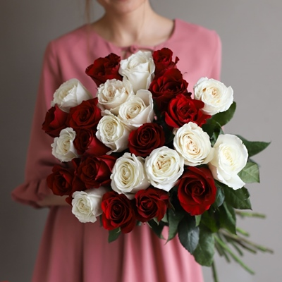 Roses delivery to Russia Moscow