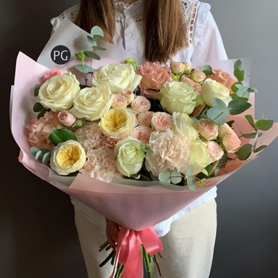 Flower bouquet delivery Russia