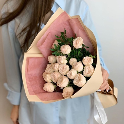Peony rose delivery in Moscow