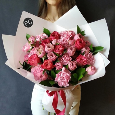 Flower arrangements to Moscow Russia
