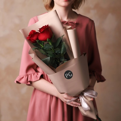 Send bouquet of roses for Moscow