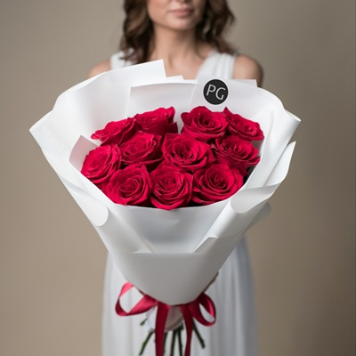 Send bouquet of roses to Moscow